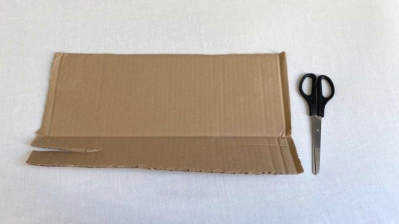 Découper 7 bandes dans le carton