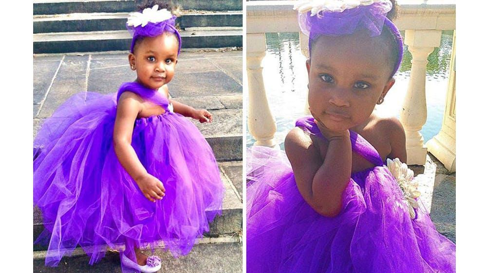 Une tenue violette pour sa fille Ava par Michael Gardner
