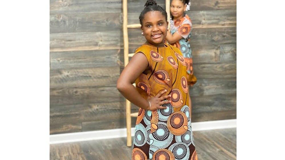 Une tenue d'inspiration africaine pour sa fille Ava par Michael Gardner