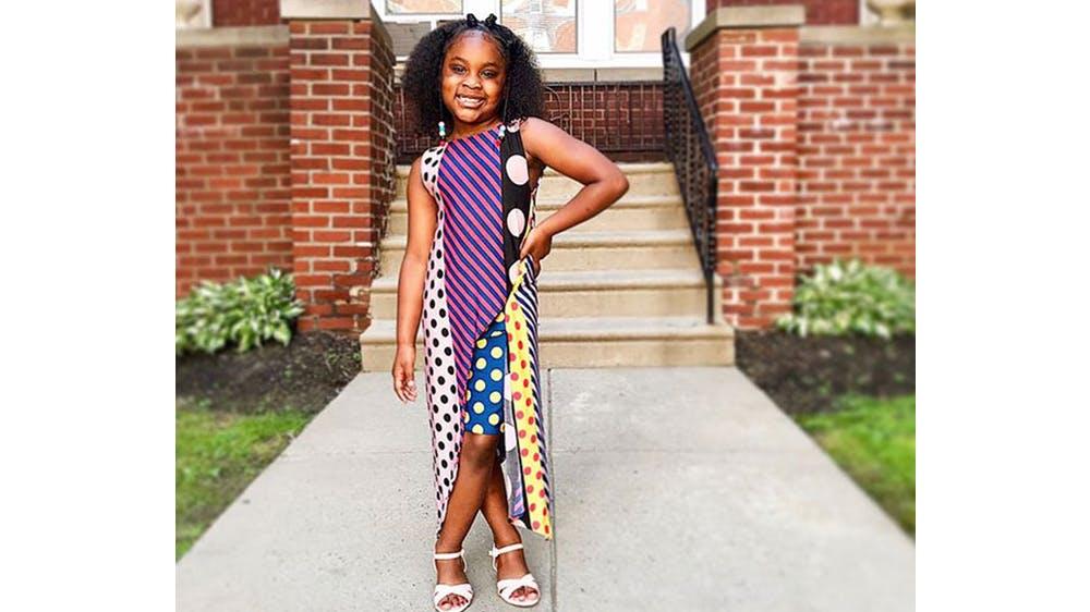 Une tenue graphique pour sa fille Ava par Michael Gardner