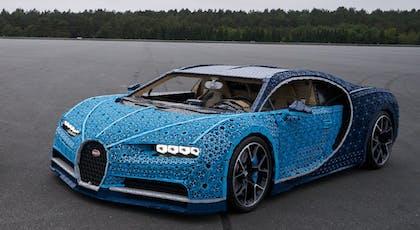 Une voiture Bugatti en Lego grandeur nature