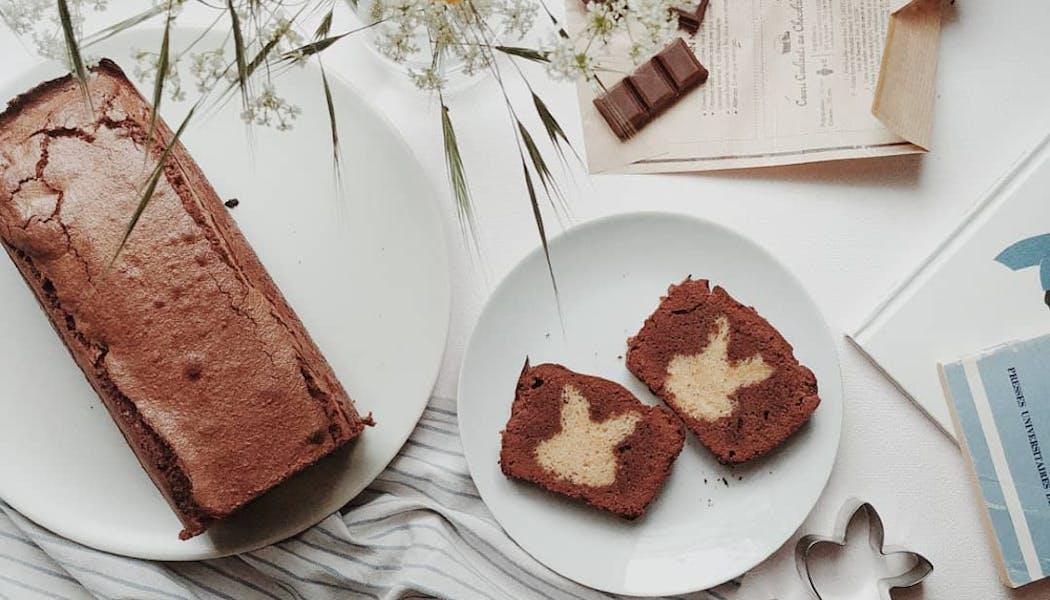 cake avec une forme de lapin à l'intérieur