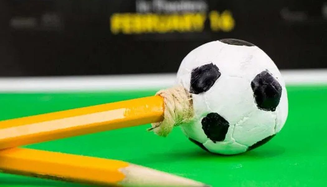 crayon en forme de ballon de foot