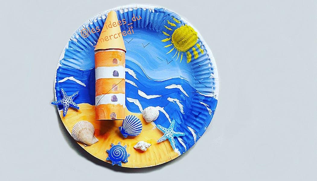 carte postale de vacances faites avec une assiette en carton
