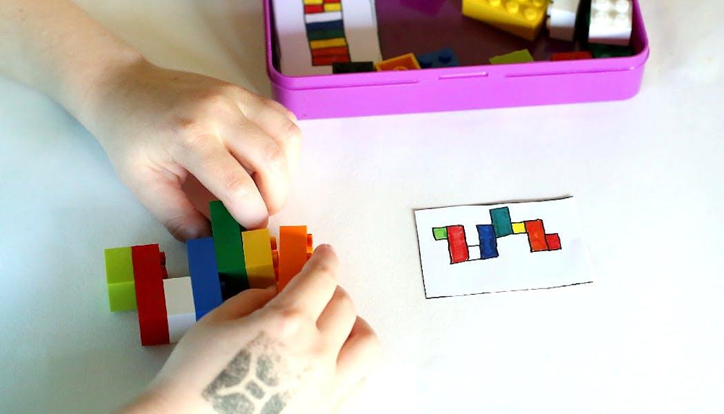 kit Lego de voyage avec fiches et Lego