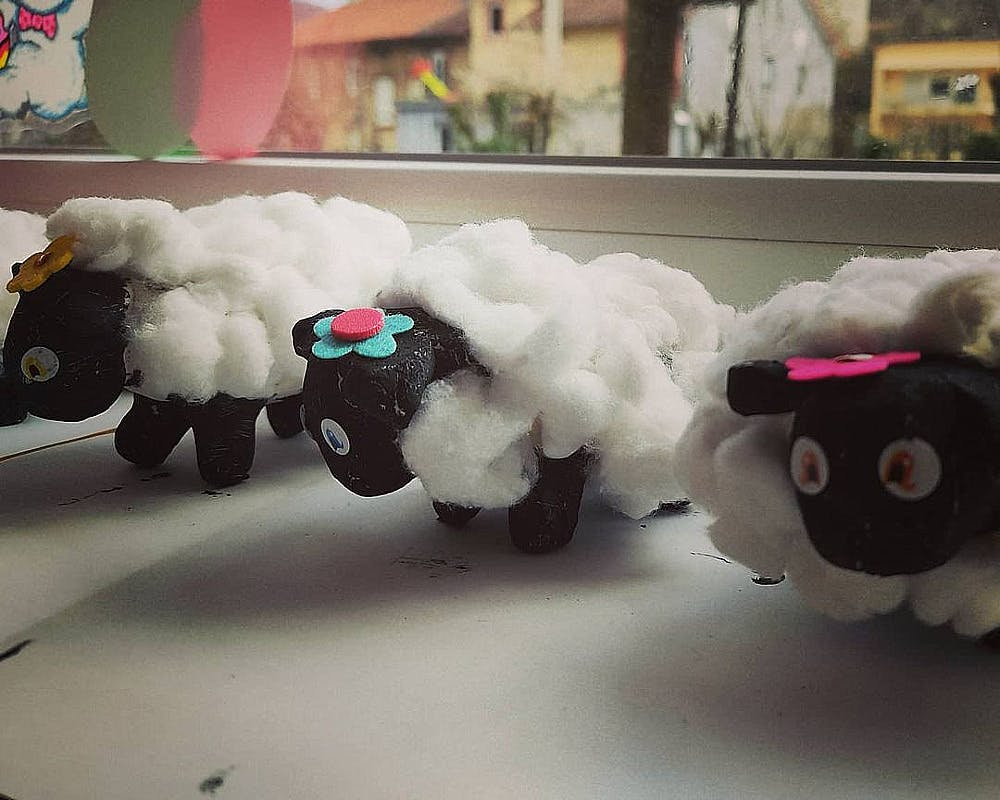 Un troupeau de moutons en pâte à sel