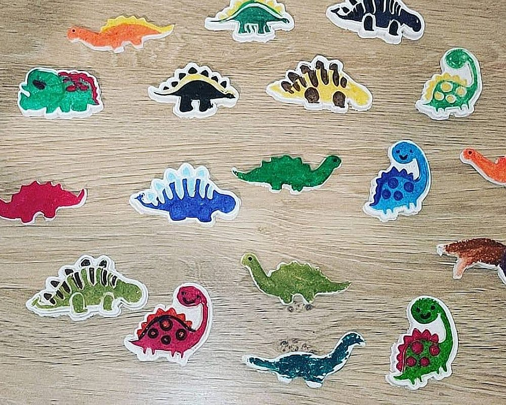 dinosaures en pâte à sel