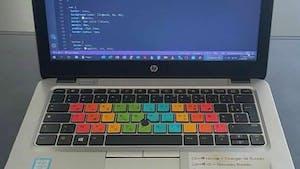 À 16 ans, il invente un clavier spécial pour les enfants DYS