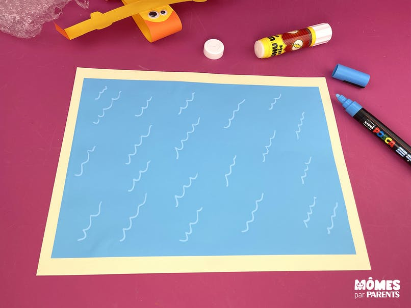 Coller le fond et dessiner les vagues