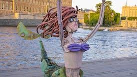 Ecologie : une statue d'Ariel la petite sirène entièrement en déchets plastiques !
