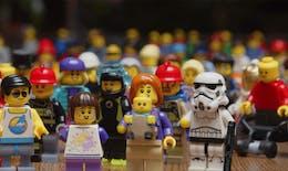 Jeux Paralympiques : un kit pour Lego présentant des athlètes en situation de handicap