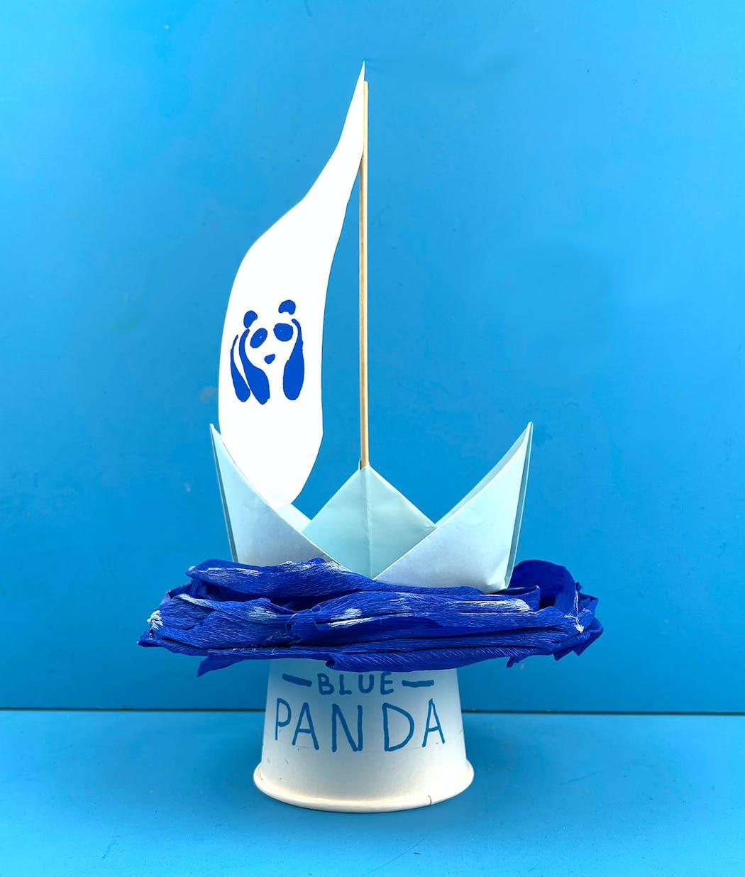 reconstitution du bateau Blue Panda de WWF en papier et carton par Momes.