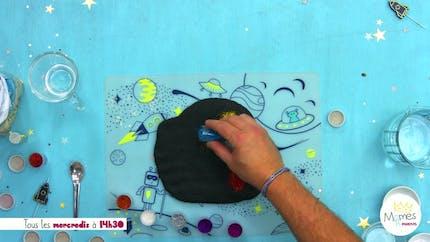 Vidéo - Replay - Mômes Part en Live - Recette de la pâte à modeler avec paillettes