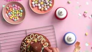 Vidéo Pâques : la recette facile d'un gâteau nid de poule